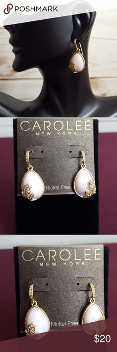 """Carolee Gold Tone Pink Teardop & Rose Earrings Gold tone and cubic zirconia accents, French hook back. Stunning light pink, teardrop shaped. Nickel free brass. 1 3/8"""" long.   🌟 Bundle to save, otherwise price is firm.🌟  🚫 Trades  🚫 Outside of Poshmark  💲 Firm unless bundled  ❔Any questions feel free to ask! 🌹 Carolee Jewelry Earrings"""