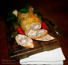 chisca de pui, reteta video de chisca Romanian Food, Hungarian Recipes, French Pastries, Bacon, Food And Drink, Turkey, Yummy Food, Meals, Chicken