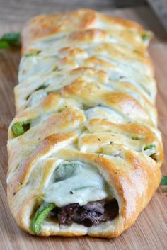 An easy recipe for Philly Cheesesteak Crescent Braid. Everything you love about … An easy recipe for Philly Cheesesteak Crescent Braid. Everything you love about Philly Cheesesteaks wrapped into a yummy crescent braid. Pillsbury Crescent Roll Recipes, Crescent Rolls, Crescent Dough, Crescent Ring, Pillsbury Recipes, Beef Recipes, Cooking Recipes, Bon Appetit, Appetizers