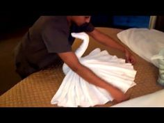 My Maid Shows Off Her Origami Skills (How To Make A Swan)  Cisnes de toalha - YouTube