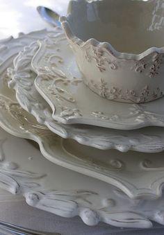 Love this dish ware!
