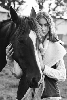 Horse Senior Pictures, Pictures With Horses, Horse Photos, Pretty Horses, Horse Love, Beautiful Horses, Horse Girl Photography, Equine Photography, Horse Fashion