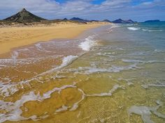 The main feature of Porto Santo Island is this 9-kilometer-long stretch of golden sand beach which at most parts is very secluded. #beach #tranquility #nature #naturelover #atlantic #ocean #portosanto #island by spacewalkmusic