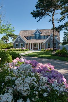 Seapine Gables is a custom home on Cape Cod, Massachusetts. Located on a highly-regulated waterfront site, PSD's architects and builders strategically designed… Dream Home Design, My Dream Home, Cape Cod Cottage, Nantucket Style, Coastal Style, Plans Architecture, Sweet Home, Modern Farmhouse Exterior, Hamptons House