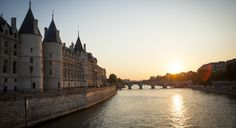 Yes, you CAN take a weekend trip to Paris! Here's how I did. (From: 48 Perfectly Romantic Hours in Paris)