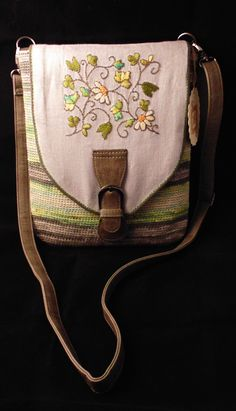 bolso de ganchillo y tapa de lino bordado con perlé ...