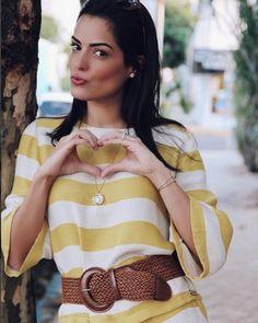 A maravilhosa super mãe e mulher Mariah Bernardes (@blogdamariah) recebeu nosso relicário com as iniciais de seu maior tesouro (sua filha) e já combinou com o look da nossa coleção especial #DiadasMãesMV. #QuemUsaMV #MariaValentina by mariavalentinaoficial