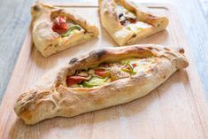Συνταγή για σπιτικό πεϊνιρλί -Το μυστικό της Sprite στη ζύμη Greek Cooking, Hot Dog Buns, Finger Foods, Sandwiches, Tacos, Goodies, Sweet Home, Appetizers, Pizza