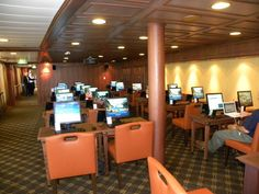 Marina of Oceania Cruises - Interior Pictures: Marina Oceania@Sea Computer Center