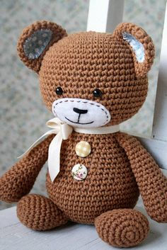 crochet bear patterns This is Smugly bear he`s such a sweetheart! Stumpy body, smugly face and cute frisky ears give him the special character. He is a clumsy teddy, but even whe Chat Crochet, Crochet Mignon, Crochet Patterns Amigurumi, Amigurumi Doll, Crochet Dolls, Amigurumi Minta, Crochet Rabbit, Crochet Teddy Bear Pattern, Crochet Animal Patterns