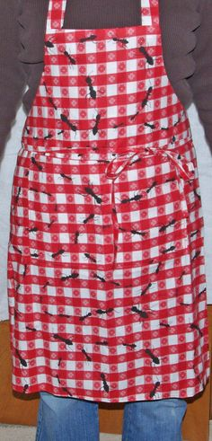 Picnic ants apron will fit most average size women. $20.00 with FREE shipping and FREE personalization from www.AGIftToTreasure.com