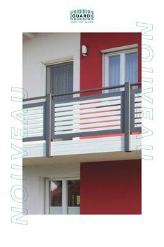 Zeit für Veränderung? Mit unserem Balkongeländer NOUVEAU lässt sich die Hausfassade in wenigen Handgriffen umgestalten. Mit einer Auswahl von über 200 RAL Farben könnt ihr euch euer GUARDI Geländer ganz individuell konfigurieren. Vor allem in zweifärbiger Ausführung ist NOUVEAU ein echter Blickfang. #GUARDI Aluminium, Fence Ideas, Balcony Ideas, House Siding, Contemporary Design, Colors