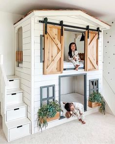 kids room The cutest little house bunk bed around Raising Bilingual Children: Is It Too Late To Star Girl Bedroom Designs, Girls Bedroom, Bunk Beds For Girls Room, Kid Bedrooms, Bedroom For Kids, Bunk Bed Ideas For Small Rooms, Cool Bunk Beds, House Beds For Kids, Bunk Beds For Boys Room