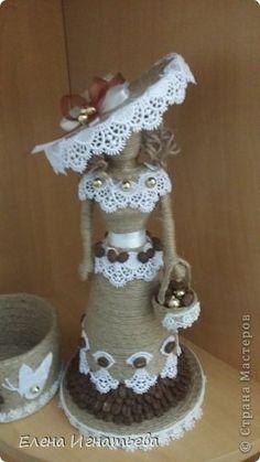 Мастер-класс Поделка изделие Моделирование конструирование Моя леди - как я ее делала  Бусины Бутылки пластиковые Кофе Кружево Шпагат фото 29