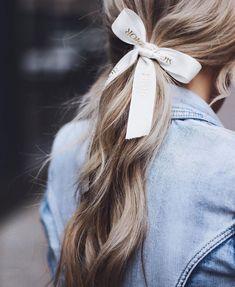 Details 🎀 - blonde hair, curls, ribbon tied in blonde curls Ribbon Hair Ties, Hair Ribbons, Scarf Hairstyles, Cool Hairstyles, Hairdos, Hair Scarf Styles, Blonde Curls, Good Hair Day, Hair Goals