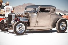Hot Rods and Pin Ups. A huge collection of thousands of images of hotrods, hot rodding, drags, gassers, etc. From the most important early days to modern kustoms and street rods. Custom Muscle Cars, Custom Cars, Traditional Hot Rod, Truck Engine, Fancy Cars, Hot Rides, Train Car, American Muscle Cars, Old Trucks