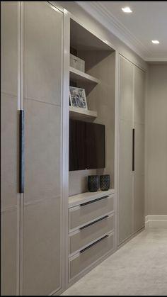 Chic Wardrobe Design Ideas For Your Small Bedroom 32 Bedroom Built In Wardrobe, Bedroom Built Ins, Bedroom Closet Design, Master Bedroom Closet, Tv In Bedroom, Master Bedroom Makeover, Bedroom Furniture Design, Modern Bedroom, Wardrobe Storage