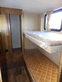 2016 New Forest River SALEM 282 QBXL, REAR TRIPLE BUNKS, OUTSIDE KITCHEN Travel Trailer in California CA.Recreational Vehicle, rv, WE DO NOT CHARGE FOR PDI OR PREP FEE LIKE MOST OTHER DEALER'S! NEW 2016 FOREST RIVER SALEM 282 QBXL MODEL, ** 1 SUPER SLIDE OUT ***, 29 FT LONG TRAVEL TRAILER, HALF-TON TOWABLE! DRY WEIGHT ONLY 6360 LBS, FRONT SLEEPER, REAR TRIPLE BUNK BEDS, SINGLE DOOR ENTRY, POWER PACKAGE, UPGRADED POWER STABILIZER JACKS IN ALL FOUR CORNERS, ***UPGRADED POWER AWNING WITH LED…