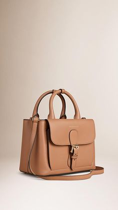 Guess Handbags, Satchel Handbags, Purses And Handbags, Fashion Handbags, Fashion Bags, Leather Wallet, Leather Bag, Trendy Purses, Cute Bags