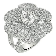 Tuxedo Ring by Chanel - FineJewelry collection in 18K white gold set with a 2 carat BrilliantCut - Diamond - July 2014