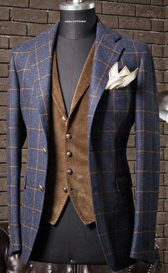 """everybodylovessuits: """" So here's another one of those Love it but don't know when and where to use it pieces. I think this is from Tagliatore, they make some awesome but at the same time weird stuff """" Sharp Dressed Man, Well Dressed Men, Mens Fashion Suits, Mens Suits, Look Fashion, Fashion Outfits, Traje Casual, Casual Outfits, Men Casual"""