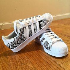 Girls Sneakers, Sneakers Fashion, Fashion Shoes, Fashion Outfits, Adidas Shoes Women, Nike Air Shoes, Custom Painted Shoes, Custom Shoes, Sharpie Shoes