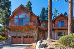 Luxury custom mountain  estate in breathtaking Lake Tahoe boasts 5 bedrooms and a treetop setting. Decent. Hot tub, pool table, bbq. 7 beds, 5 bedrooms.