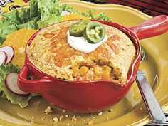 These individual servings of chicken pie feature a Tex-Mex style chicken mixture with enchilada sauce, corn, green chiles and chili powder, and the crusty topping is made with Mexican cornbread mix. Bake Turkey Wings Recipe, Baked Turkey Wings, Easy Chicken Pot Pie, Chicken Wing Recipes, Mexican Cornbread, Cornbread Mix, Mexican Pie, Cornbread Recipes, Cornbread Casserole