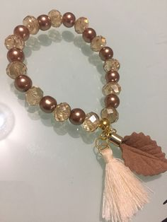 Simple Bracelets, Cute Bracelets, Handmade Bracelets, Jewelry Bracelets, Gemstone Bracelets, Jewelry Tree, Bead Jewellery, Jewelry Crafts, Beaded Jewelry