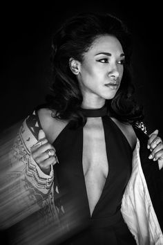Candice Patton is the female lead on one of The CW's top series The Flash , in which she plays Iris West—aspiring journalist by day and girlfriend of Barry Allen (aka The Flash) by night. Candace Patton, Olivia Baker, Afro, Iris West Allen, Pencil Skirt Casual, Supergirl And Flash, Amanda Bynes, Cute Beauty, Beautiful Celebrities