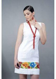 Resultado de imagem para vestidos bordados - Es Tutorial and Ideas Simple Dresses, Casual Dresses, Short Dresses, Fashion Dresses, Summer Dresses, African Wear, African Dress, Mexican Fashion, Mexican Dresses