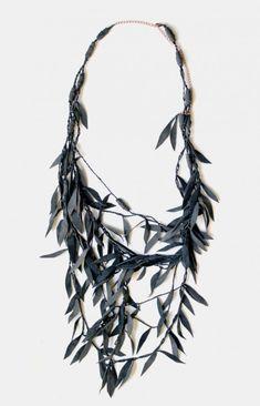 sauce rama collar de cuero repurposed upcycled, diseño del blog squish