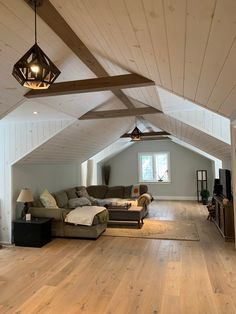 Wow check out this superb wide plank flooring ideas - what an artistic design and style Wide Plank Flooring, Engineered Hardwood Flooring, Hardwood Floors, Condominium, Home Renovation, Ceiling Fan, Cottage, Flooring Ideas, House