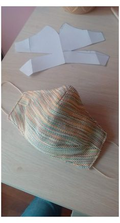 how to crochet a face mask Maske Sewing Hacks, Sewing Tutorials, Sewing Crafts, Sewing Projects, Techniques Couture, Sewing Techniques, Diy Mask, Diy Face Mask, Homemade Face Masks