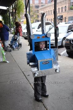 Super Cool Peterbilt Semi-Truck Costume. If I ever have a child, they r Sooooo doing this!