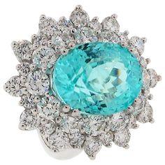 Anel em Ouro Branco 18k com Diamantes e Turmalina Paraíba