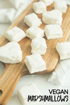 This homemade vegan marshmallows recipe will have you rejoicing. No longer do you have to drink your hot cocoa without a fluffy marshmallow or sit by a campfire eating plain graham crackers while everyone enjoys their s'mores. You can have it all now with these easy vegan marshmallows. Vegan Candies, Vegan Treats, Vegan Foods, Vegan Snacks, Vegan Dishes, Desserts Végétaliens, Vegan Dessert Recipes, Dairy Free Recipes, Whole Food Recipes