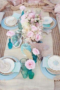 【ウェディング】ピンクのおしゃれなテーブルコーディネート・装花集【結婚式】 - NAVER まとめ                                                                                                                                                      もっと見る