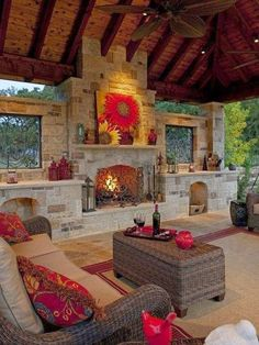 The PERFECT Indoor/Outdoor Room!