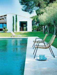 Reportage à Saint-Tropez dans une villa imaginée par l'architecte Pierre Yovanovitch