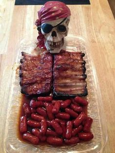 Skeleton ribs and lil smokies good for a pirate party or Halloween Menu Halloween, Teen Halloween Party, Halloween Appetizers, Halloween Horror, Halloween 2018, Halloween Scarecrow, Halloween Celebration, Halloween Birthday, Halloween Fruit