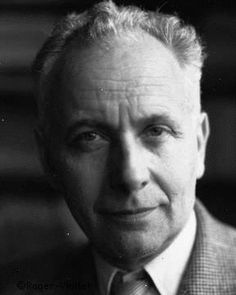 Louis Aragon French poet, who was one of the leading voices of the surrealist movement in France. Philippe Soupault, Dadaism Art, Louis Aragon, Writers And Poets, Book Writer, Portraits, Lady And Gentlemen, Famous People, Poetry
