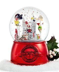 Thanksgiving Day Parade Snow Globe