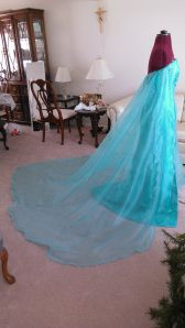 A detailed tutorial on making a nice, long cape for Elsa's dress.