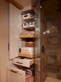Bathroom storage best organizing tips (16)