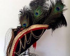 Image result for pirate hats Black Side, Long Black, Weekend Crafts, Steampunk Corset, Pirate Hats, Pirate Woman, Peacock Feathers, Red Satin, Scalloped Lace