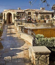 modern mediterranean homes Modern Mediterranean Homes, Mediterranean Architecture, Spanish Style Homes, Spanish House, Casa Patio, Tuscan House, Castle House, Courtyard House, Tuscan Style