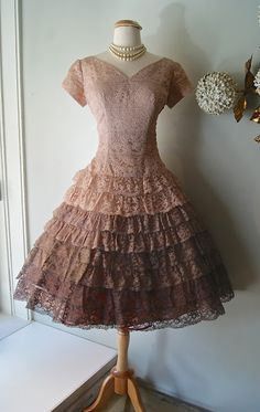 Amazing 50's ombre tiered lace party dress.