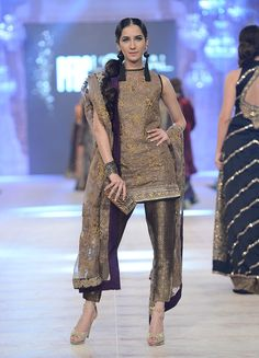Pakistan Fashion Design Council – Sana Safinaz
