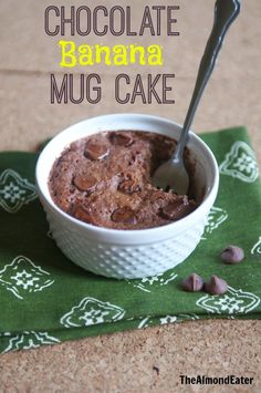 Chocolate Banana Mug Cake--perfect for late night chocolate cravings! Chocolate Banana Mug Cake--perfect for late night chocolate cravings! Pear Recipes, Mug Recipes, Dessert Recipes, Desserts, Vegetarian Recipes, Banana Mug Cake, Banana Bread, Vegan Mug Cakes, Mug Cake Microwave